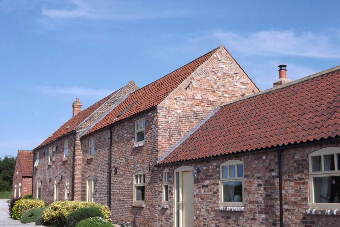 foldyard, barn house and granary cottages
