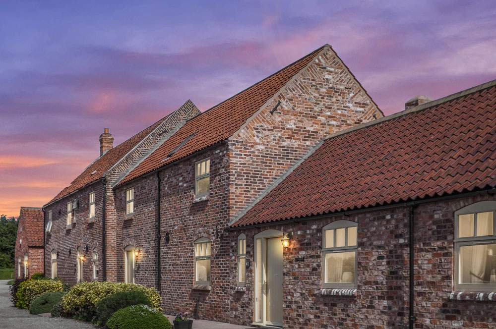 Foldyard, Barn House & Granary