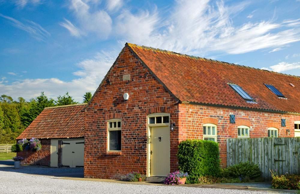 Stables 2 bedroom brick built cottage