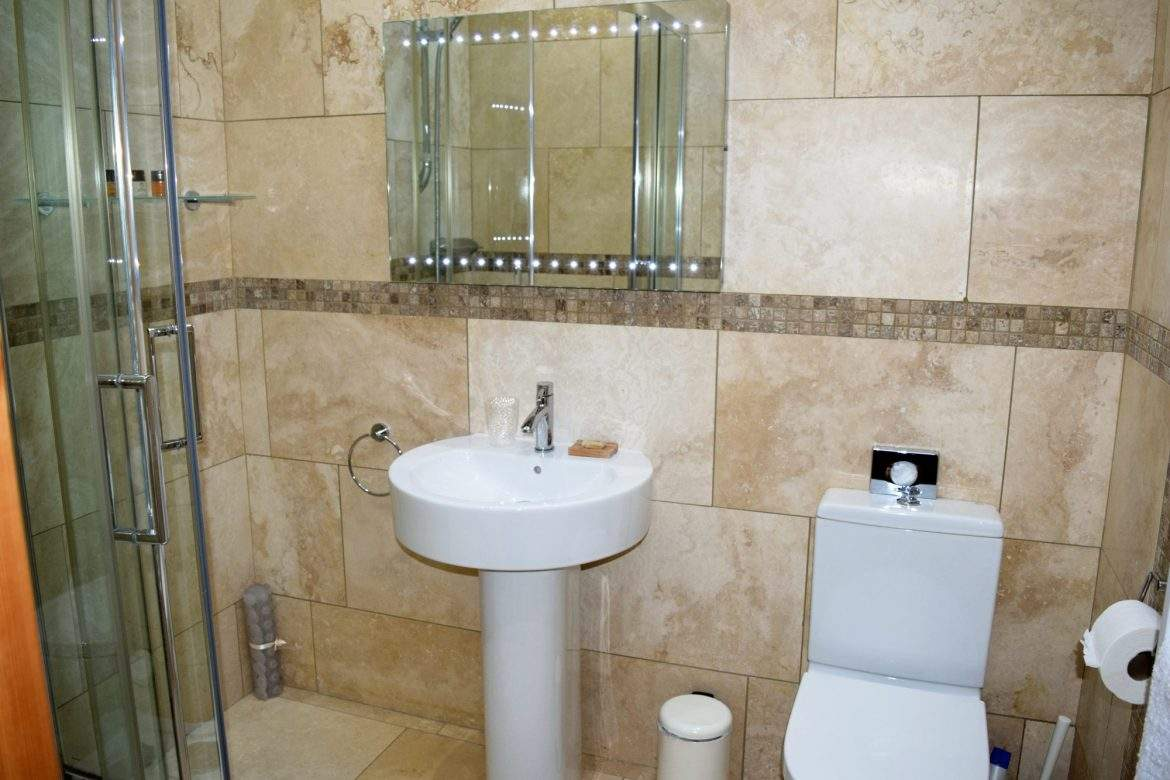 Ensuite shower room to the superking
